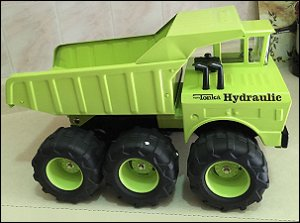 Custom Hydraulic Dump with Superwide Tires